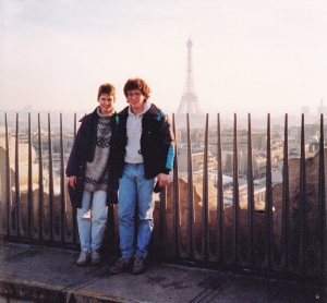 maxine and stephen on the arc de triomphe